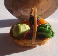 1:24th Scale Vegetable Basket