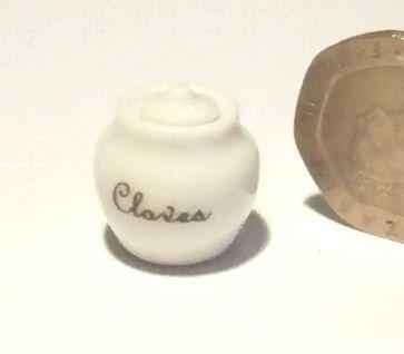 Storage Jar - Cloves